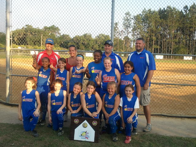 CLEARWATER LADY BOMBERS 01 -- CLEARWATER, FLS